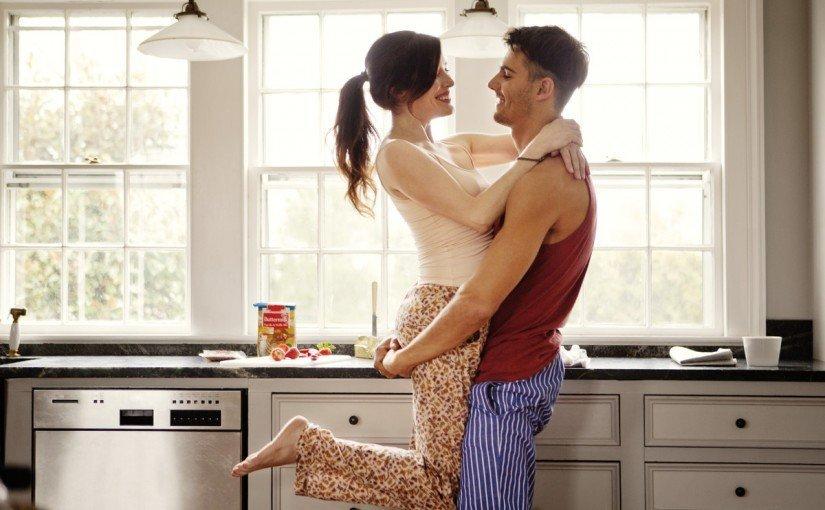 10 lucruri intime pe care cuplurile trebuie sa le faca impreuna
